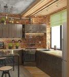 Маленькая кухня с оформлением лофт и стильной мебелью