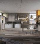 Большая гостиная-кухня с интерьером лофт