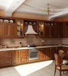 Тёмно-коричневый гарнитур в классическом стиле для кухни