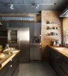 Деревянная мебель в стиле лофт на кухне