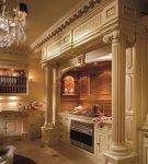 Большая кухня с интерьером в стиле барокко