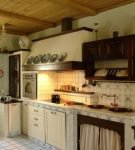 Лёгкие занавески на кухне в русском стиле
