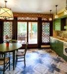 Зелёная мебель в арабском дизайне кухни