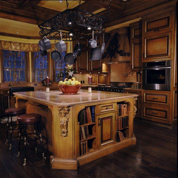 Резная мебель в стиле готика