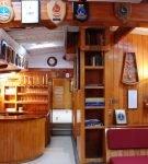 Кухня с гостиной в морском стиле