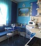 Синий цвет в обстановке кухни с морским дизайном