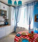 Полосатый декор на кухне в морском стиле