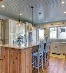 Лаконичный интерьер в морском стиле на кухне