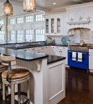 Интерьер с элементами в морском стиле для кухни