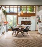Большая кухня-гостиная в стиле ретро