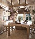 Интерьер ретро в коричневых тонах на кухне