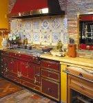 Роскошный гарнитур в стиле ретро на кухне