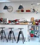 Белый дизайн кухни ретро