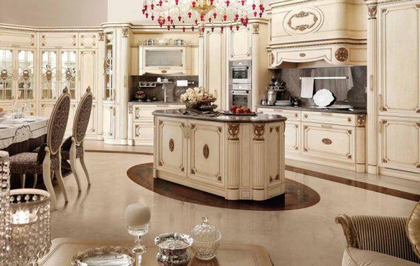 Кухня в стиле барокко с богатым декором