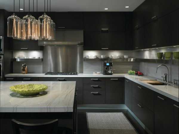 Матовый чёрный кухонный гарнитур
