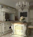 Объёмная люстра в интерьере кухни барокко