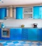 Яркий гарнитур голубого цвета