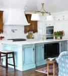 Голубые элементы в интерьере кухни