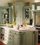 Островная мебель на кухне прованс