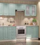 Голубой гарнитур на кухне с интерьером прованс