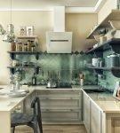 Гарнитур на маленькой кухне прованс