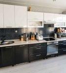 Гарнитур чёрно-белой кухни