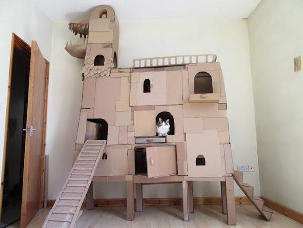 Замок из коробок
