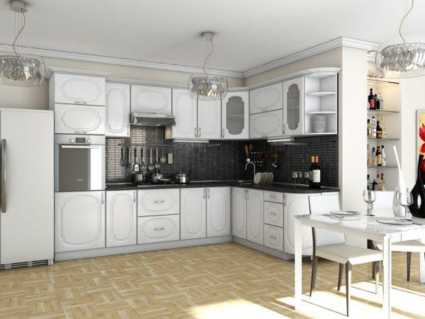 Потолок белой кухни