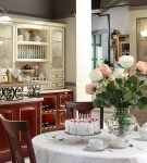Патинированная кухня в стиле прованс