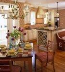 Кухня в стиле кантри с патиной