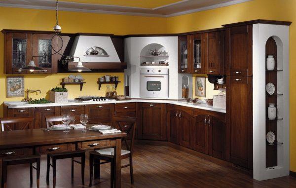 Тёмная мебель в кухне по-итальянски