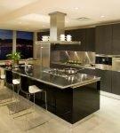 Островная мебель в стиле хай-тек для просторной кухни