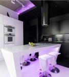 Эффектная подсветка на кухне хай-тек