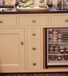 Мини-холодильник под столешницей