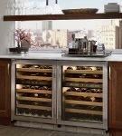 Холодильник-бар под подоконником