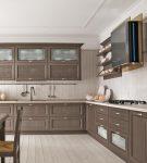 Мебель кофейно-молочного цвета на кухне