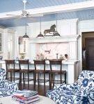 Диваны-кресла на кухне