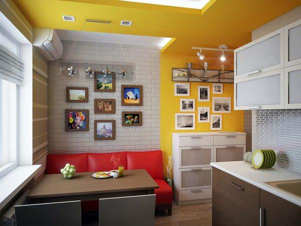 Кожаный диван на кухне