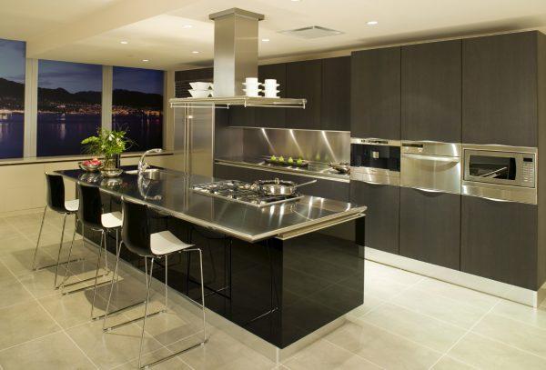 Кухня с островом в стиле хай-тек