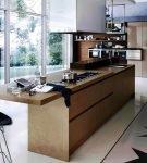 Длинный стол и оригинальное напольное покрытие на кухне