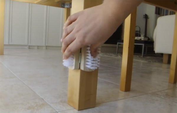 Крепление щёток к поверхности