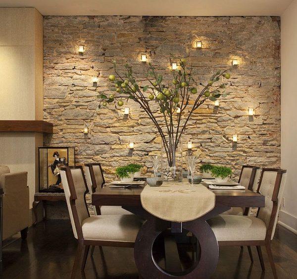 Отделка стены декоративным камнем в обеденной зоне