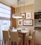 Картины на кухне с обеденной зоной