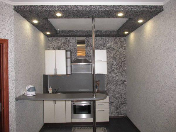 Отделка стен и потолка жидкими обоями на кухне