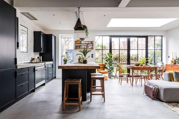 Удобный сканди в кухне-гостиной