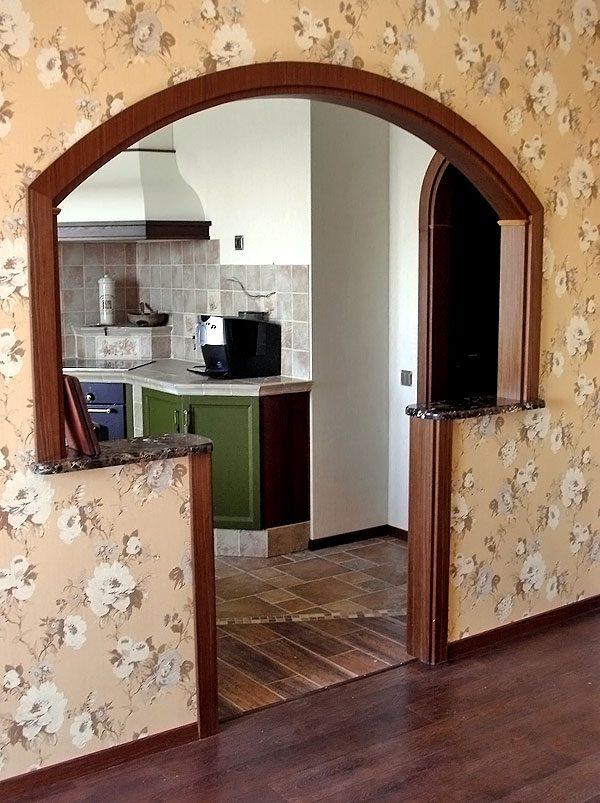 Дверной проём с выступами на кухне