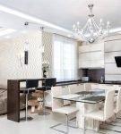 Большая кухня-гостиная в классическом стиле