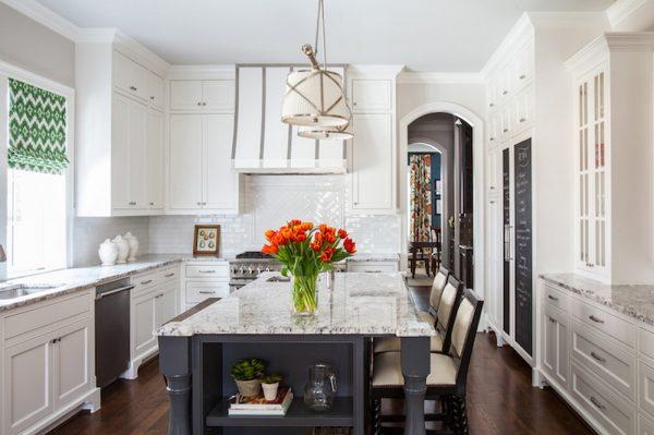 Ровные потолки в кухне