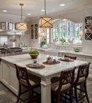 Кухня в американском стиле с элементами кантри