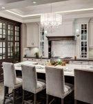 Мебель для кухни в американском неоклассическом стиле